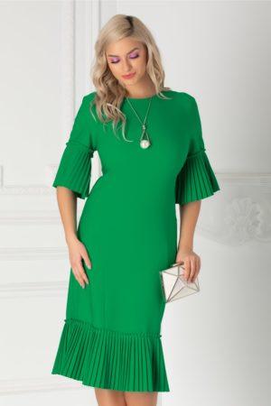 Rochie midi verde de ocazie accesorizata cu volane plisate si o croiala ce avantajeaza silueta Eveline