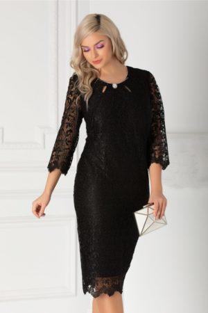 Rochie midi neagra de seara din dantela cu accesoriu stilat in zona decolteului rotund Jade