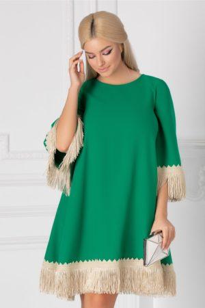 Rochie scurta larga verde pentru ocazie accesorizata cu broderie handmade si franjuri LaDonna
