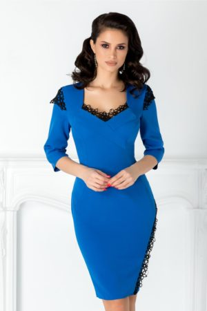 Rochie tip creion albastra scurta cu decolteu in V elegant si insertii de dantela fina Lexxy