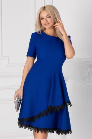 Rochie de ocazie albastra eleganta in clos cu decolteu rotud si insertii de dantela la tiv Penelope