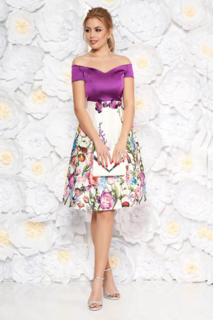Rochie mov de ocazie din material satinat decorata cu imprimeuri florale si strass-uri moderne StarShinerS