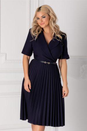 Rochie midi bleumarin eleganta cu fusta plisata si decolteu petrecut Tanya accesorizata cu curea discreta