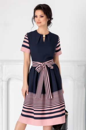 Rochie midi de zi bleumarin eleganta cu dungi roz Thea prevazuta cu maneci scurte