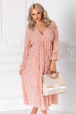 Rochie midi roz vaporpasa eleganta cu franjuri din dantela si maneci trei sferturi evazate Vania