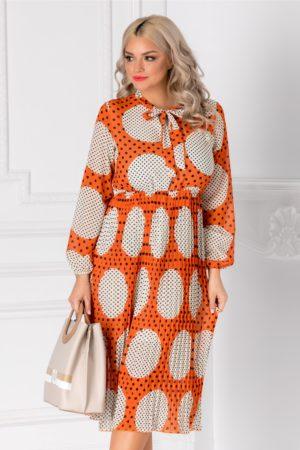 Rochie midi lejera de primavara portocalie cu buline maxi ivoire Vedda si maneci lungi