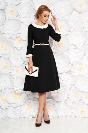 Rochie din stofa subtire neagra foarte eleganta si moderna accesorizata cu mansete intr-o nuanta contrastanta