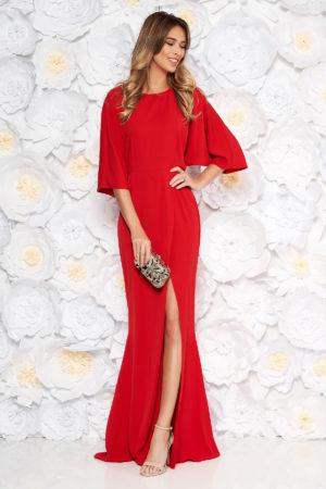 Rochie lunga rosie de seara cu spatele decupat realizata din voal delicat cu maneci largi tip clopot