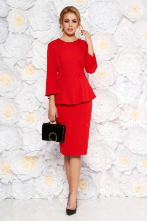 Rochie de zi rosie office cu croiala midi tip creion din stofa subtire prevazuta cu peplum si nasturi decorativi