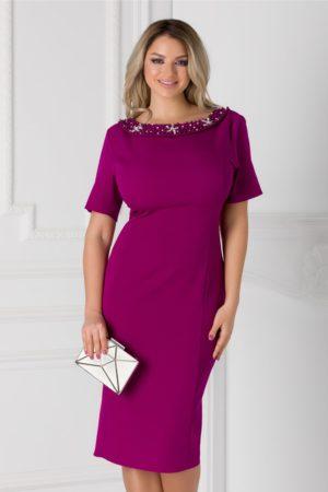 Rochie de ocazie magenta midi eleganta accesorizata cu aplicatii la decolteu si fundita la spate Ariadna