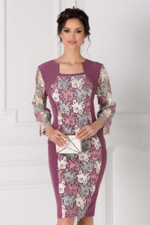 Rochie de botez lila eleganta cu dantela florala discreta Beatrice pentru femei plinute