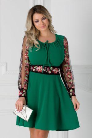 Rochie de ocazie verde eleganta cu maneci lungi vaporoase din tull si broderie etno Daria