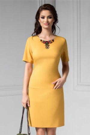 Rochie de ocazie galben mustar midi eleganta cu aplicatii la guler Dora pentru tinute office