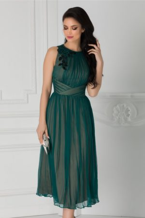 Rochie de nunta eleganta din matase verde cu broderie la umar si croiala lejera in clos Ginette
