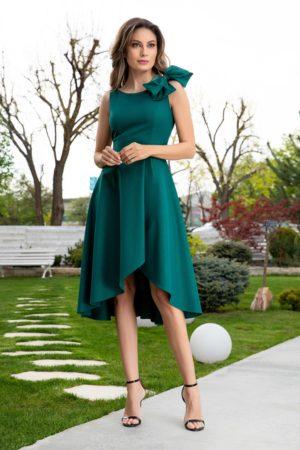 Rochie verde asimetrica cu fusta midi in pliuri largi si  funda supradimensionata la umar Ginette