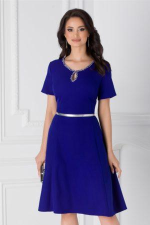 Rochie de zi albastra eleganta cu decupaj la decolteu si strasuri Ivette prevazuta cu o croiala in clos vaporoasa
