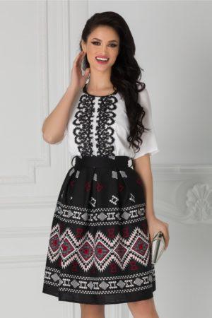 Rochie office de zi alb cu negru si motive traditionale Kaley cu maneci vaporoase