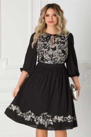 Rochie de seara neagra vaporoasa prevazuta cu broderie florala la bust si maneci largi LaDonna
