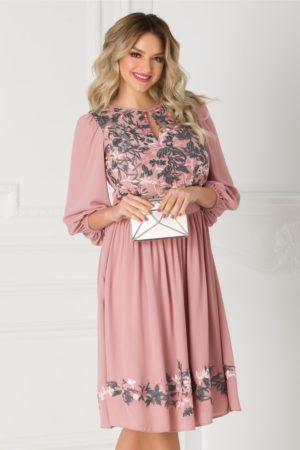 Rochie de seara roz prafuit vaporoasa prevazuta cu broderie florala la bust si maneci largi LaDonna