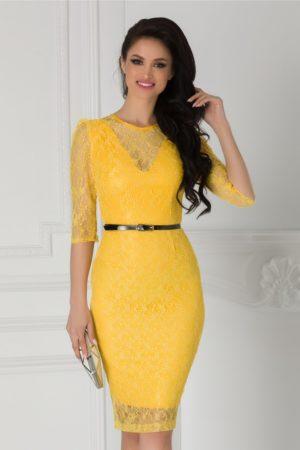 Rochie de seara din dantela galben intens cu croiala midi mulata accesorizata cu o curea subtire in talie Moze
