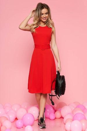 Rochie de zi rosie pana la genunchi cu design minimalist si accesorizata cu curea lata in talie SunShine