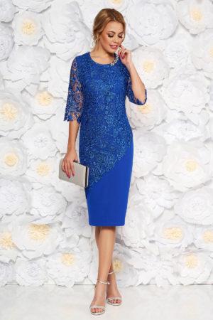Rochie midi albastra de ocazie cu un croi mulat accesorizata cu dantela brodata pentru femei plinute