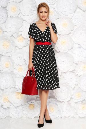 Rochie de zi neagra cu buline realizata din voal lejer si accesorizata cu cordon rosu in talie