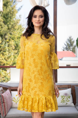 Rochie eleganta galbena cu aplicatii de dantela si volanase discrete La Donna Isaura