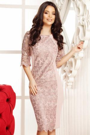 Rochie de seara plus size roz deschis eleganta cu aplicatie de dantela in fata Amanda
