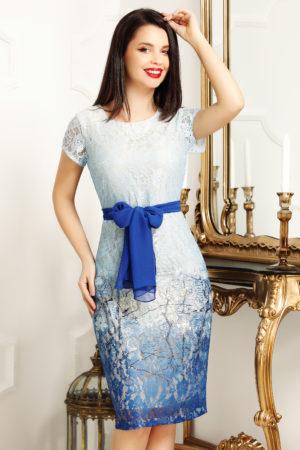 Rochie scurta de zi eleganta albastra prevazuta cu o esarfa decorativa in talie Jessie