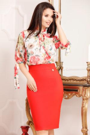 Rochie midi rosie cu imprimeu floral alb accesorizata cu o fundita Medea