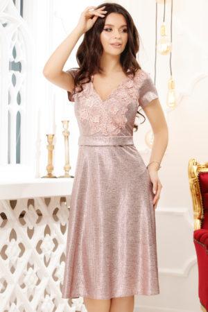 Rochie de seara roz deschis eleganta cu broderie delicata in partea superioara Ramo