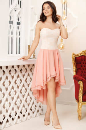 Rochie de seara somon eleganta cu croiala asimetrica realizata din voal si dantela Valentina