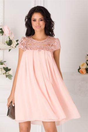 Rochie de seara roz somon scurta eleganta accesorizata cu pliuri si broderie cu paiete Aida