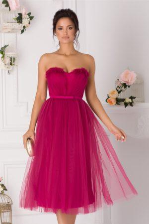 Rochie de ocazie midi din tull fucsia stil printesa prevazuta cu un decolteu in forma de inima LaDonna