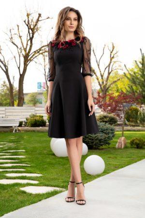 Rochie de ocazie eleganta LaDonna neagra cu flori brodate handmade si maneci din dantela