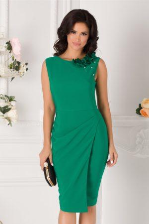 Rochie conica de ocazie verde midi eleganta accesorizata cu flori 3D si perlute discrete LaDonna