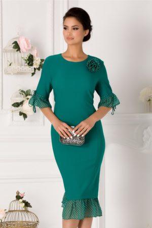 Rochie midi plus size verde de seara cu volane discrete din voal delicat cu buline Marisa
