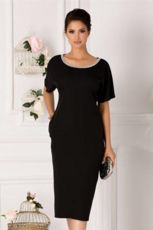 Rochie midi neagra conica accesorizata cu perlute discrete la decolteul rotund Michaela