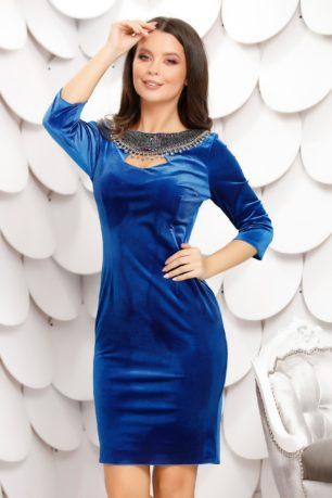 Rochie eleganta scurta de catifea albastra accesorizata cu pietre in zona gatului Aurora