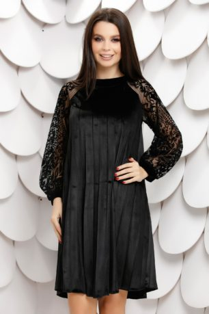 Rochie neagra din catifea plisata cu croi larg si maneci din tull delicat Elinora