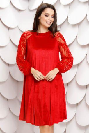 Rochie rosie din catifea plisata cu croi larg si maneci din tull delicat Elinora