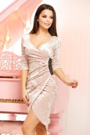 Rochie de ocazie din catifea roz pudra eleganta cu decolteu adanc in V Stacy