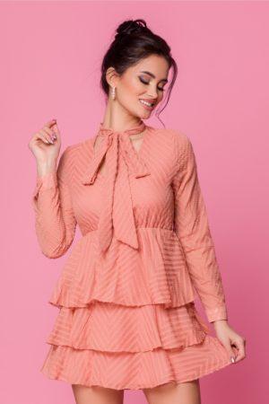Rochie scurta eleganta roz somon accesorizata cu volanase Anita