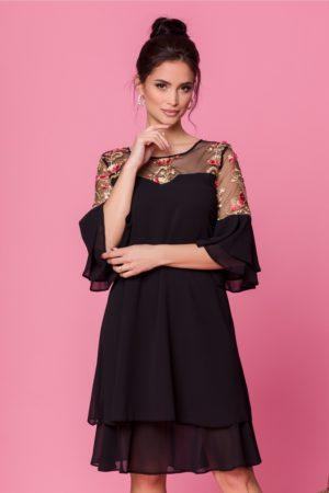 Rochie de seara neagra cu broderie colorata si croi larg pentru femei plinute Chrisa
