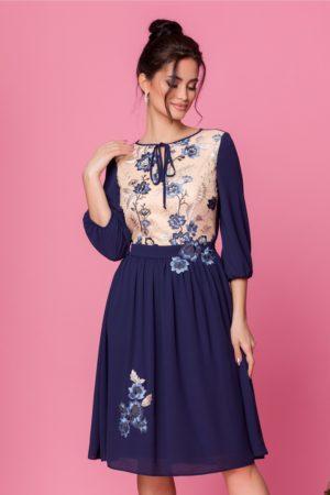 Rochie midi eleganta din voal bleumarin cu broderie florala diafana LaDonna