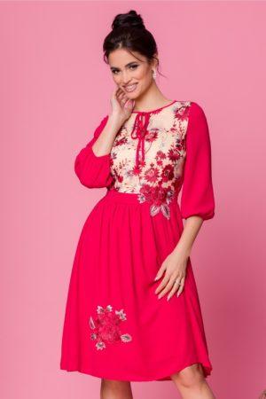 Rochie midi eleganta din voal rosu cu broderie florala diafana LaDonna