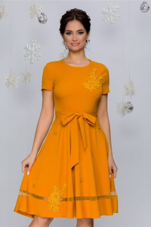 Rochie de ocazie galbena cu broderie florala si aplicatii de strass-uri si perlute delicate Maria
