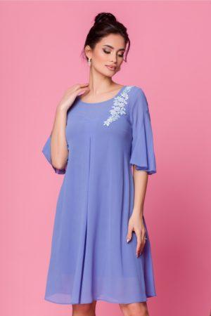 Rochie eleganta din voal bleu cu croi larg vaporos accesorizata cu broderie Sabri