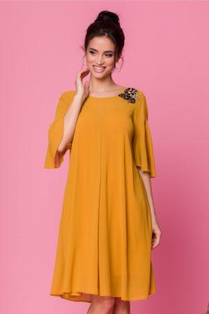 Rochie eleganta din voal galben mustar cu croi larg vaporos accesorizata cu broderie Sabri